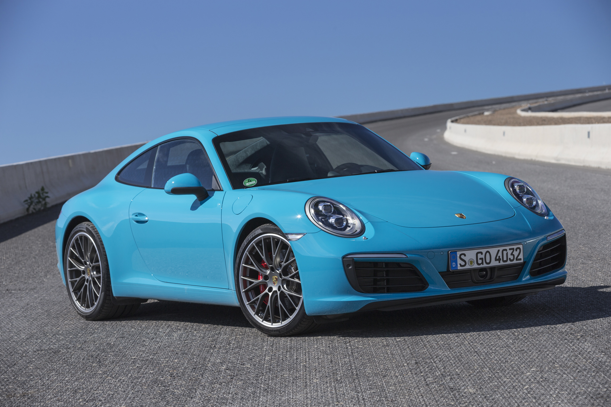 2019 Porsche 911 Carrera 4S photo - 6