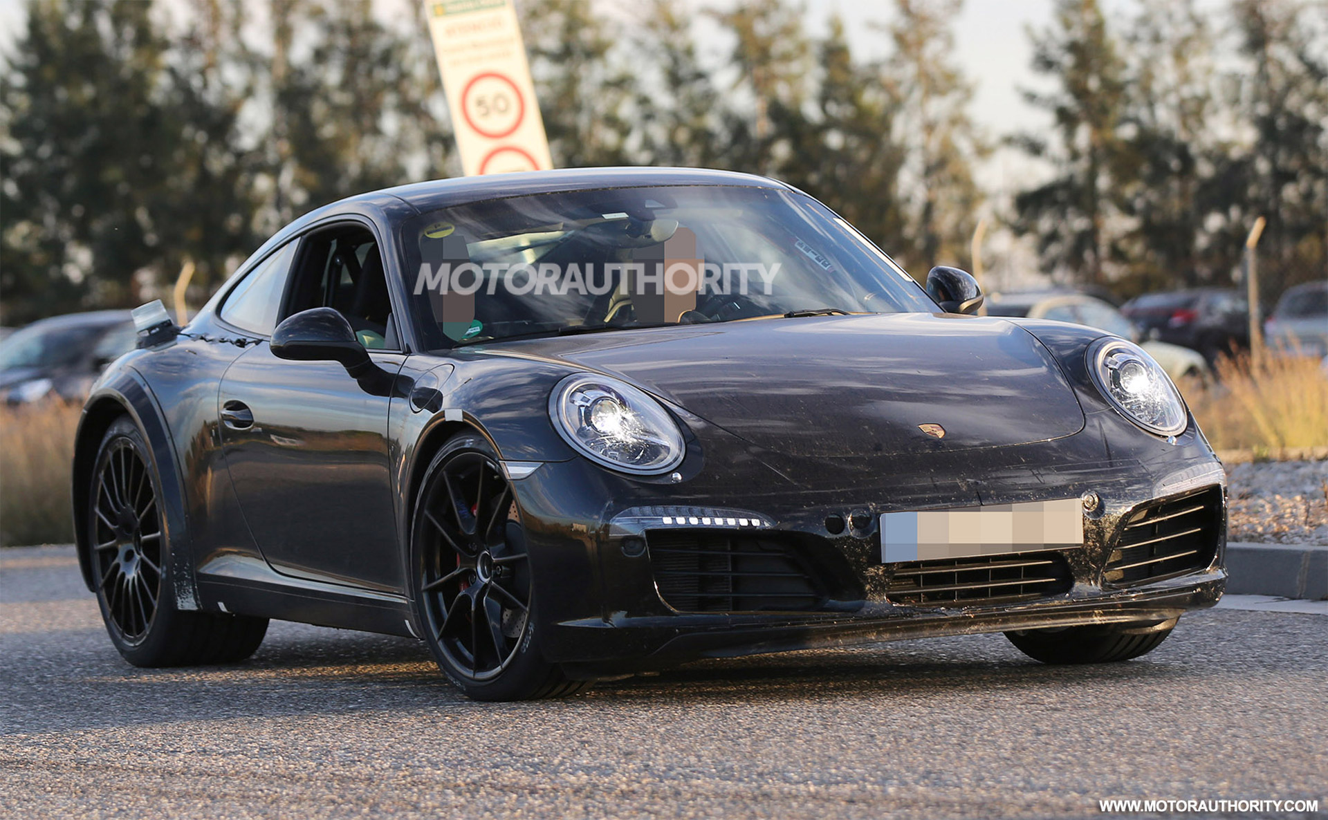 2019 Porsche 911 Carrera photo - 5