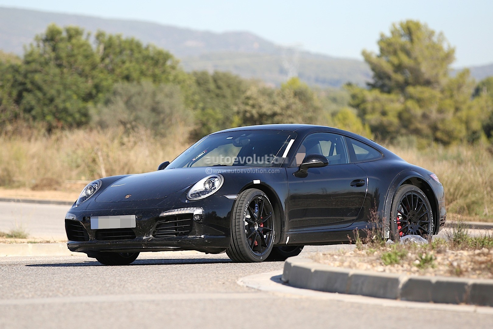 2019 Porsche 911 Carrera GTS photo - 1