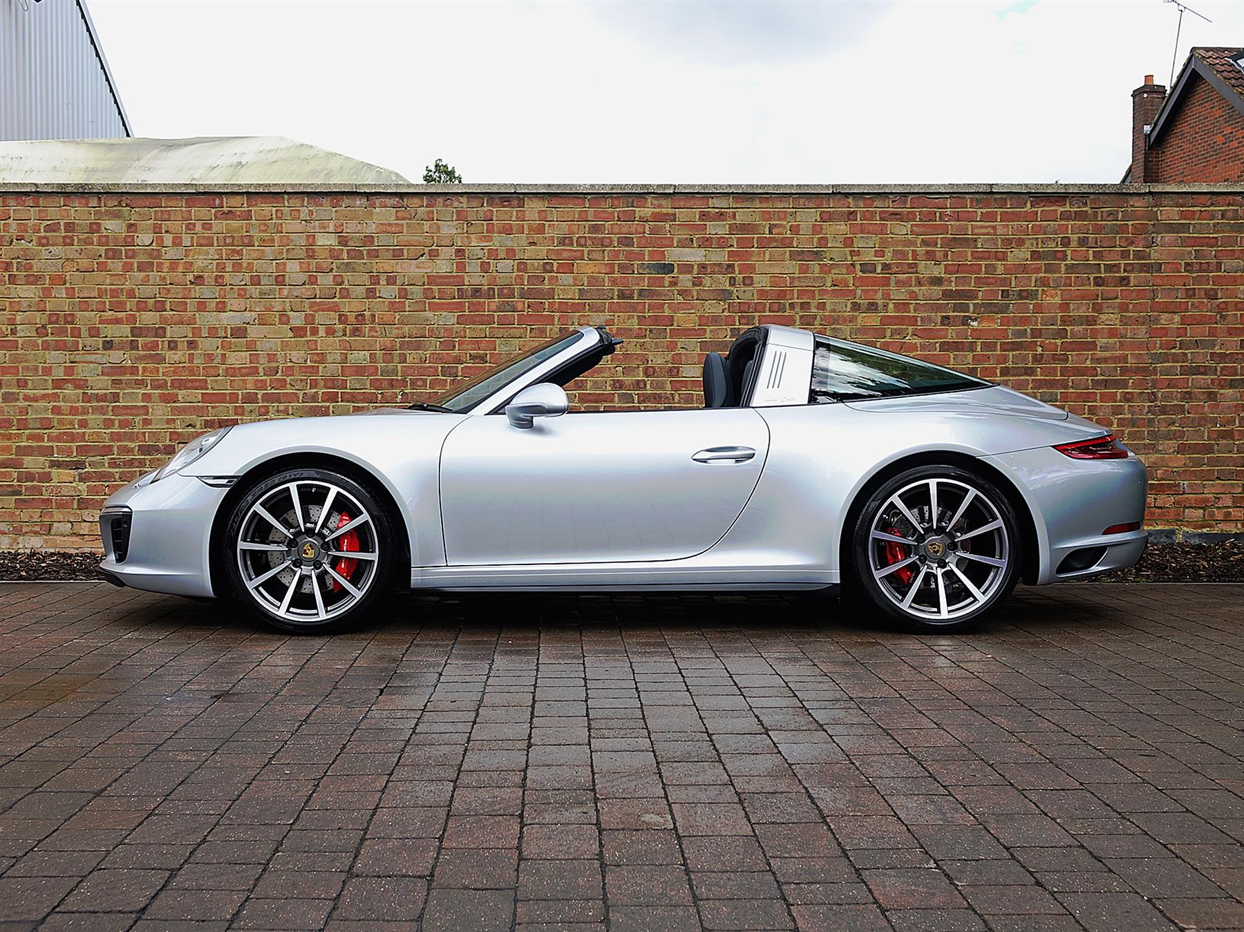 2019 Porsche 911 Targa photo - 2