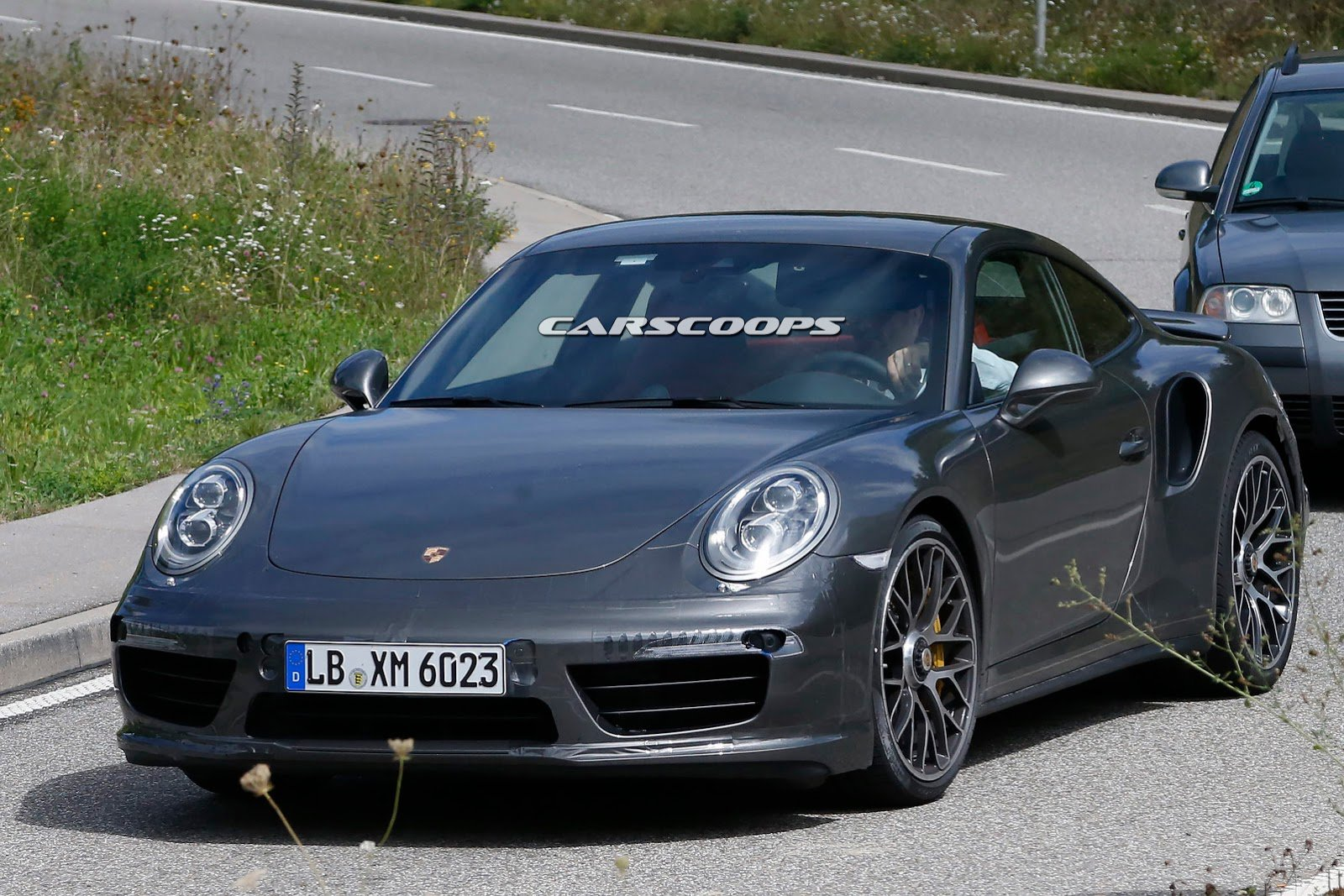 2019 Porsche 911 Turbo S photo - 2