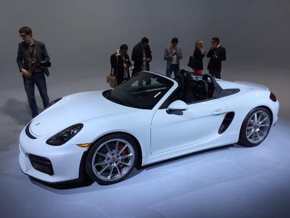 2019 Porsche Boxster Spyder photo - 3
