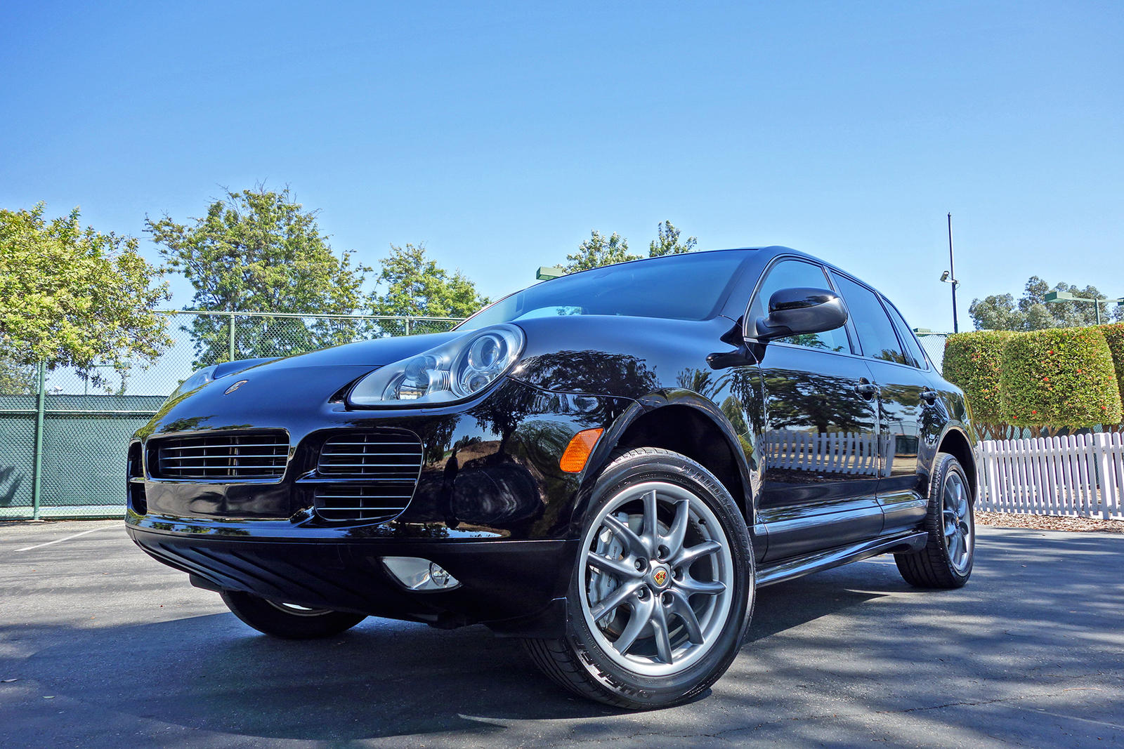 2019 Porsche Cayenne S Titanium photo - 3
