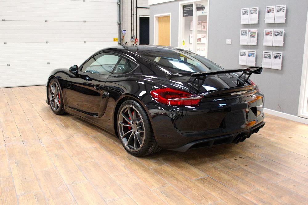 2019 Porsche Cayman GT4 photo - 1