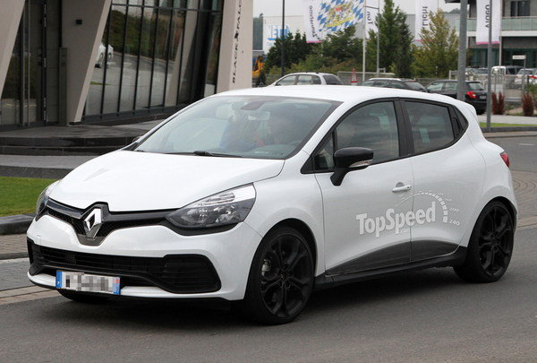 2019 Renault Clio RS photo - 1
