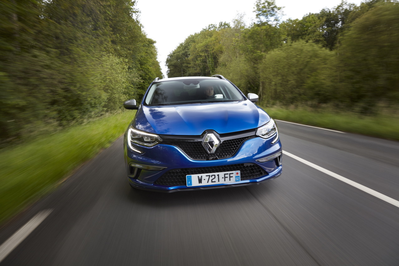 2019 Renault Megane Estate GT photo - 6
