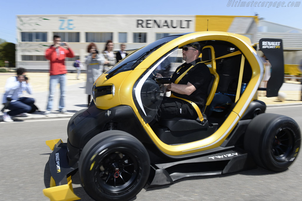 2019 Renault Twizy RS F1 Concept photo - 2