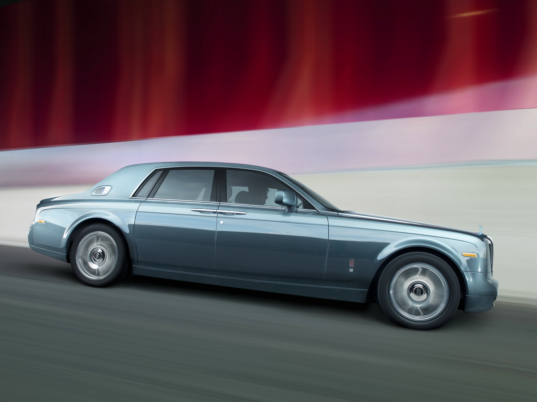 2019 Rolls Royce 102EX Electric Concept photo - 5