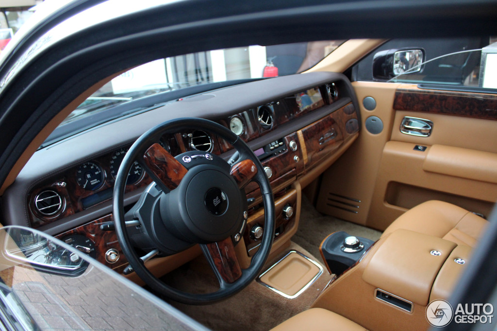 2019 Rolls Royce Centenary Phantom photo - 3
