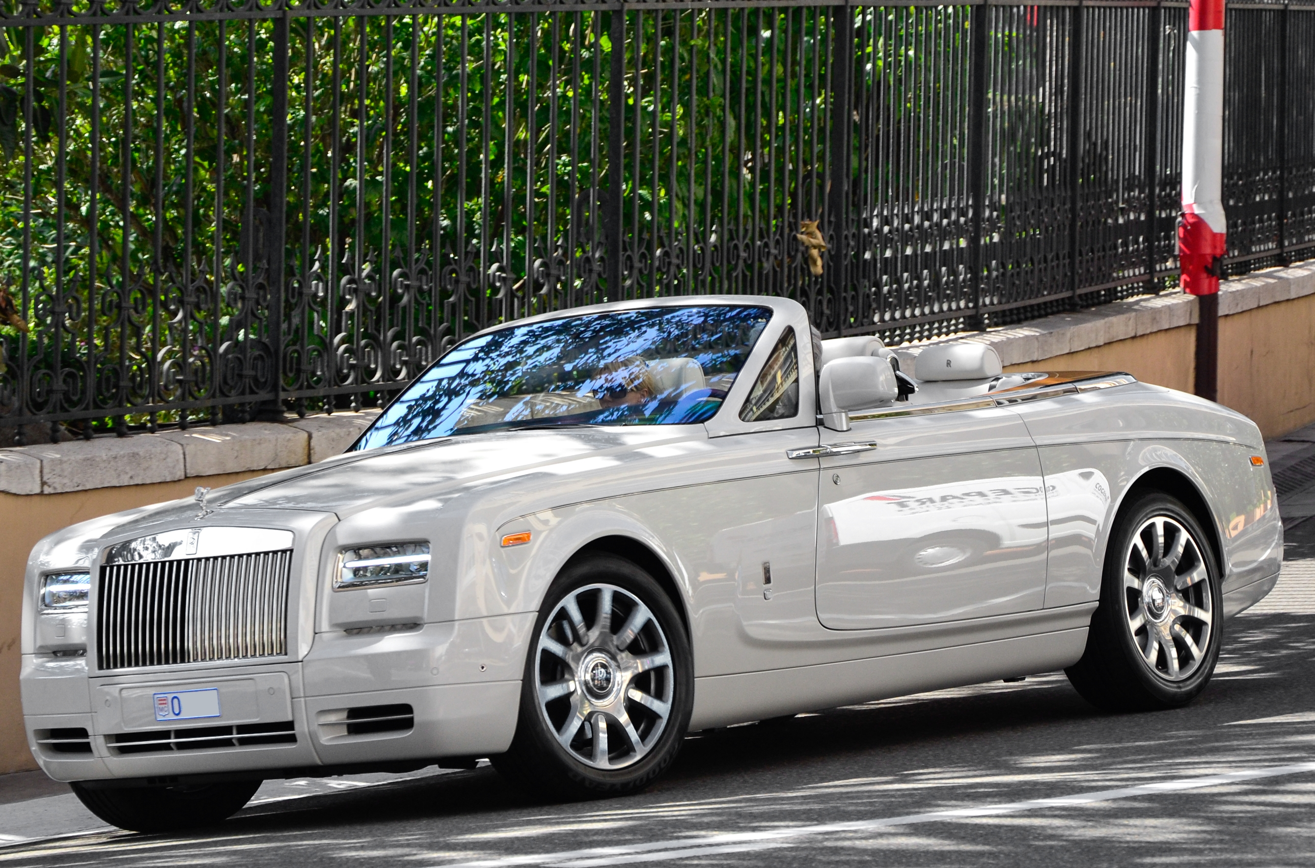 2019 Rolls Royce Phantom photo - 4