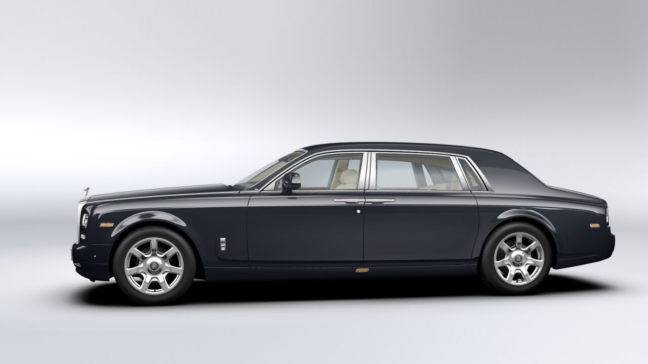 2019 Rolls Royce Phantom Extended Wheelbase photo - 3