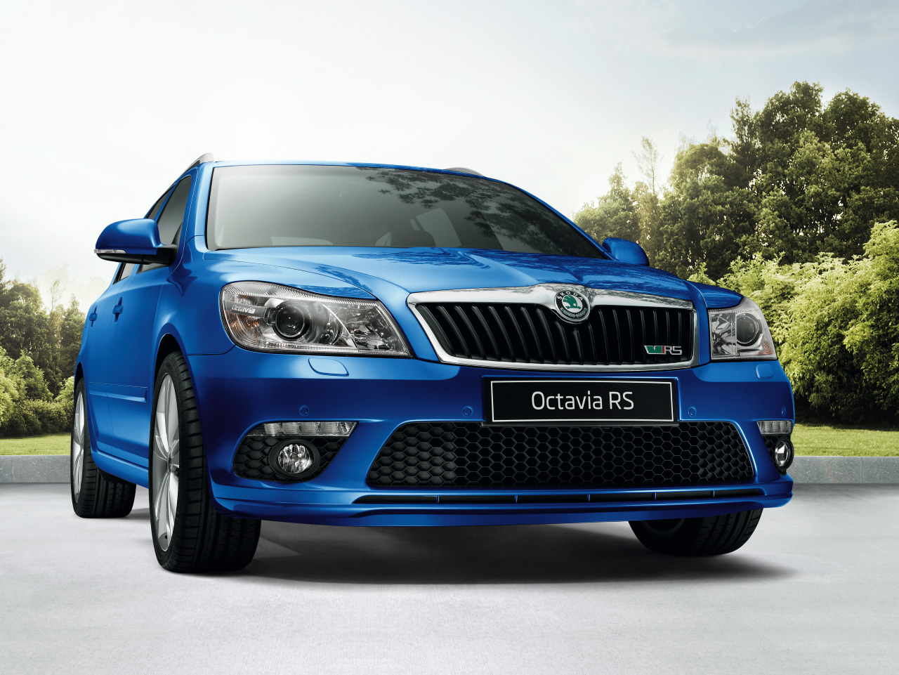 2019 Skoda Octavia Combi RS photo - 5