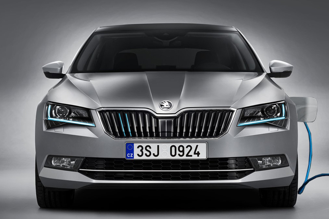 2019 Skoda Superb photo - 4