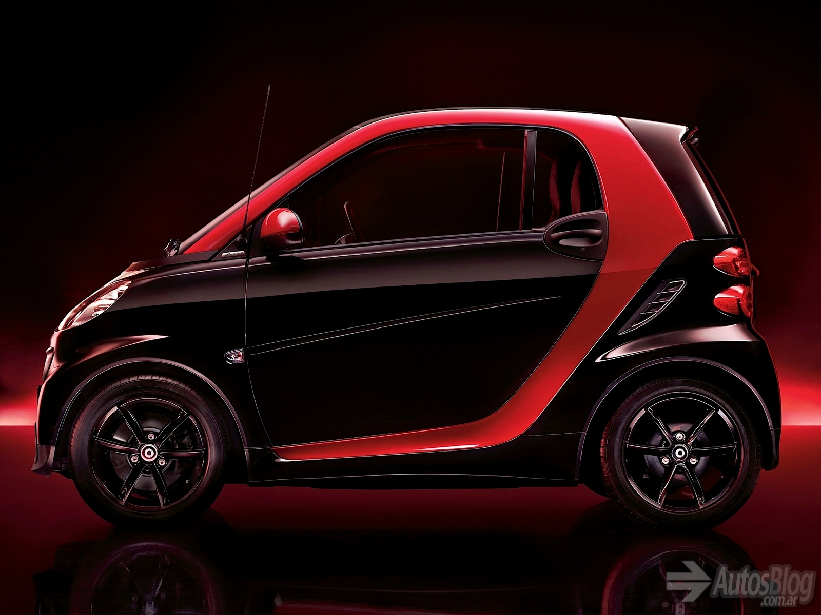 2019 Smart fortwo edition red photo - 3