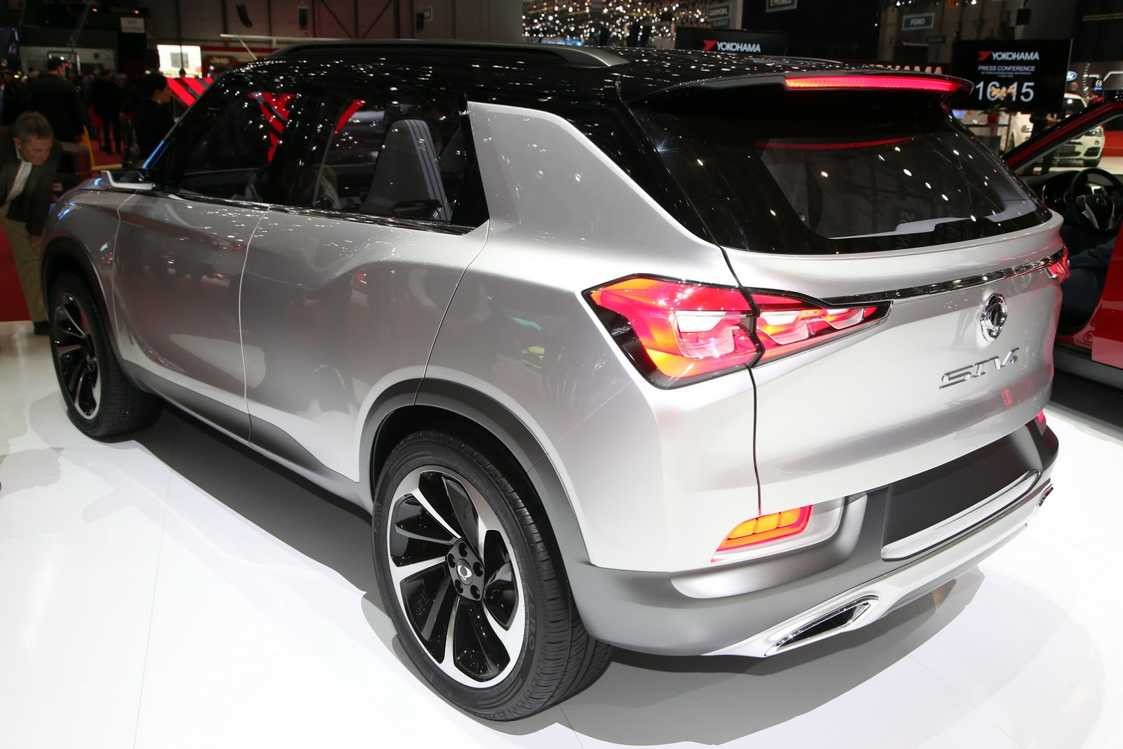 2019 SsangYong SIV 1 Concept photo - 1