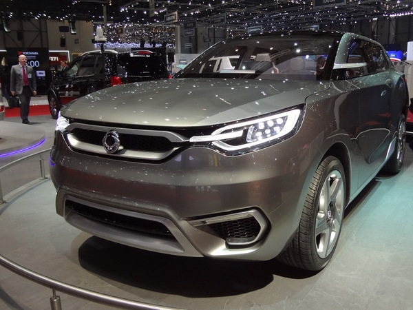 2019 SsangYong SIV 1 Concept photo - 4