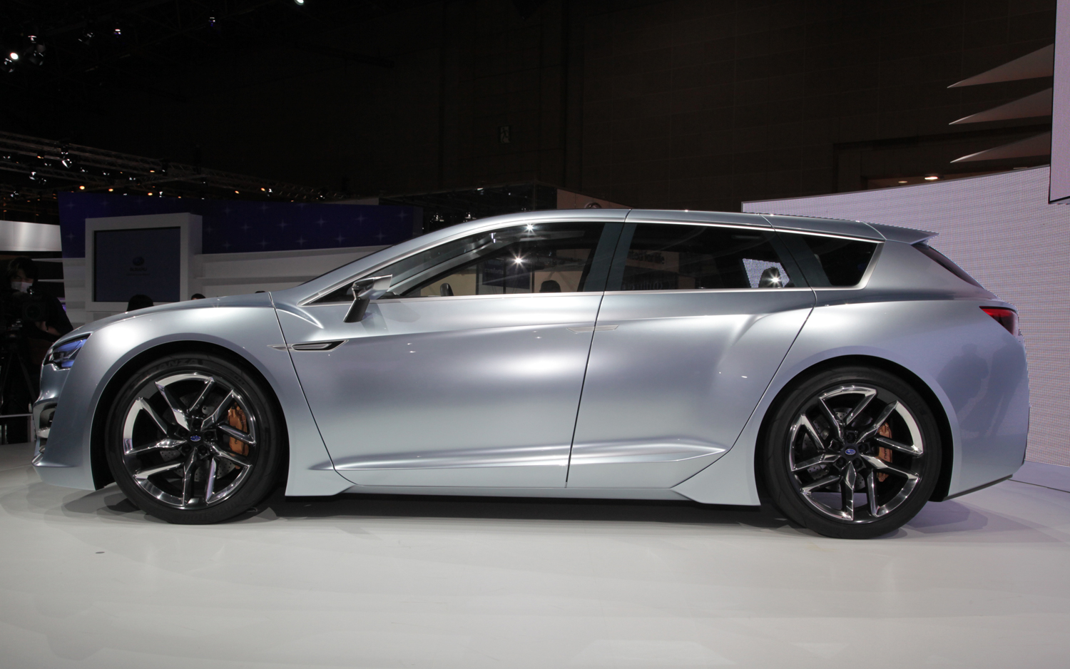 2019 Subaru Advanced Tourer Concept photo - 5
