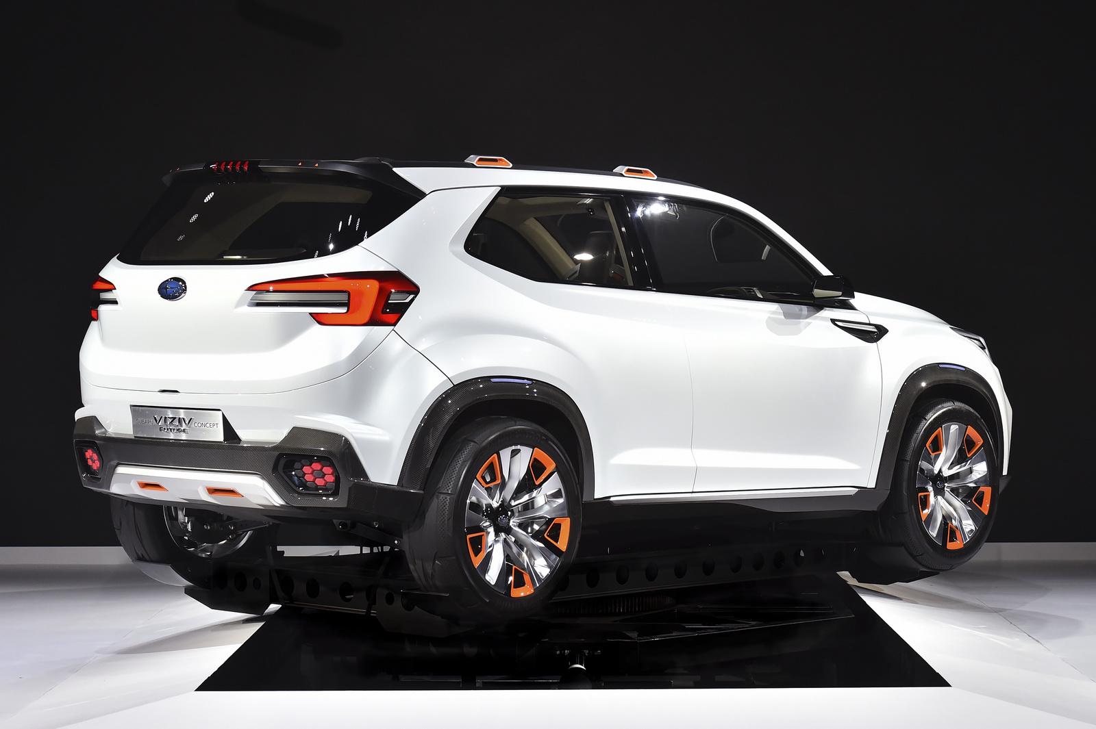2019 Subaru Tribeca photo - 1
