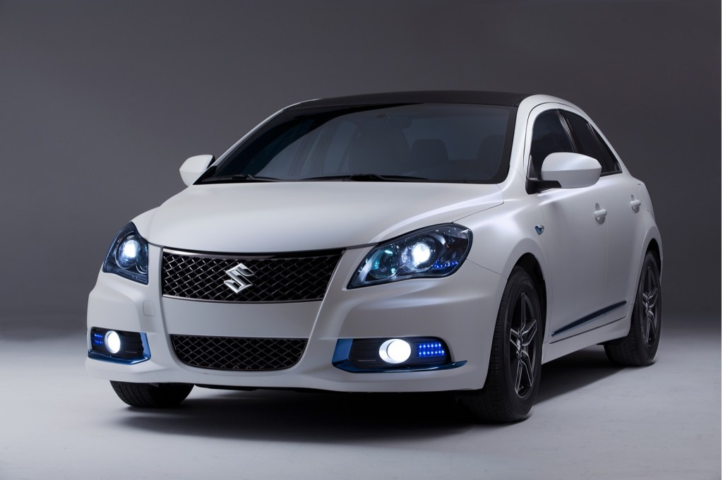 2019 Suzuki Kizashi EcoCharge Concept photo - 5