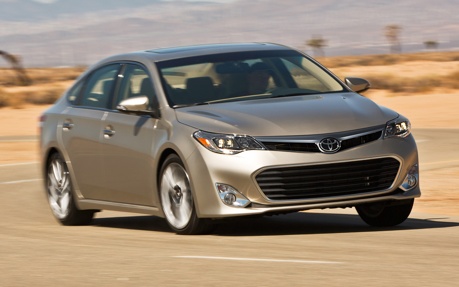2019 Toyota Avalon Limited photo - 4