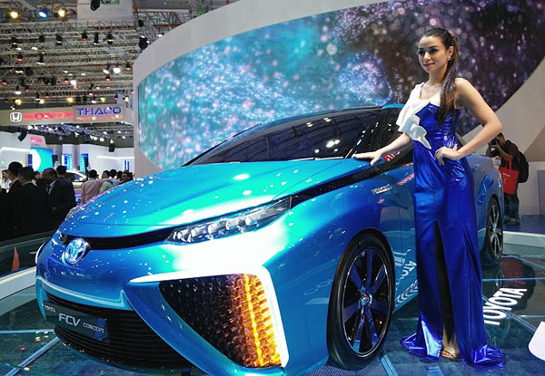 2019 Toyota FCV Concept photo - 4