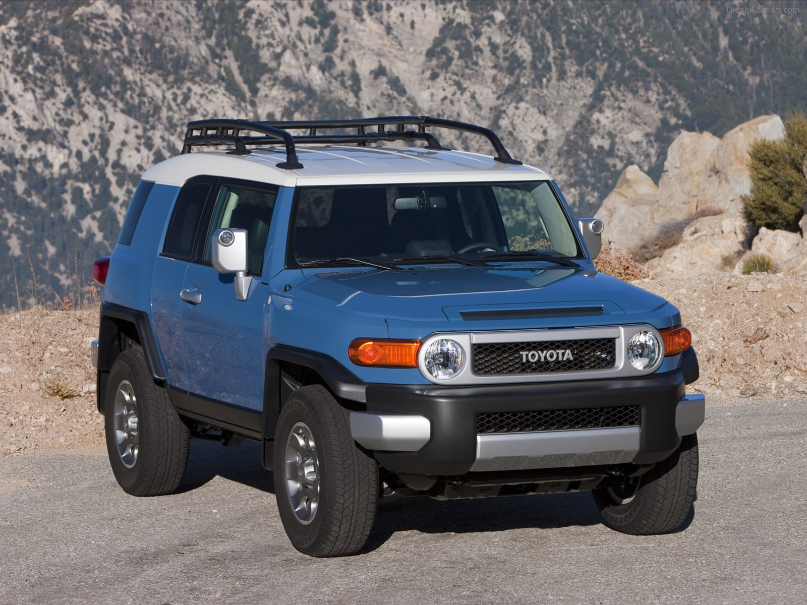 2019 Toyota FJ Cruiser Concept photo - 2