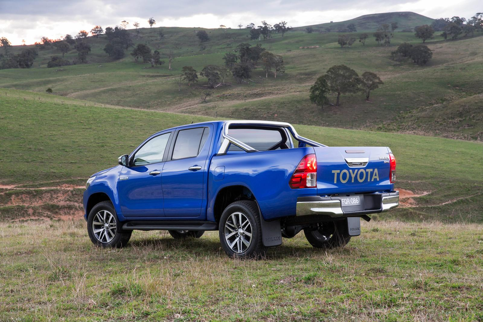 2019 Toyota Hilux photo - 5