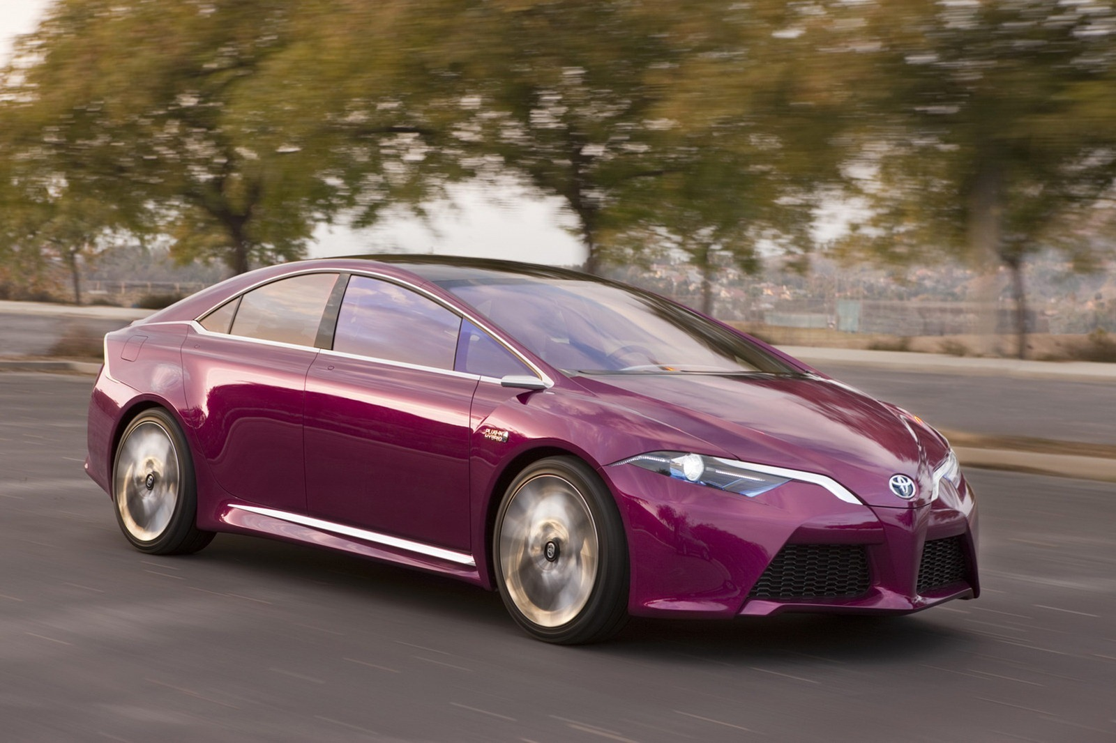 2019 Toyota Prius Plug in Hybrid Concept photo - 2
