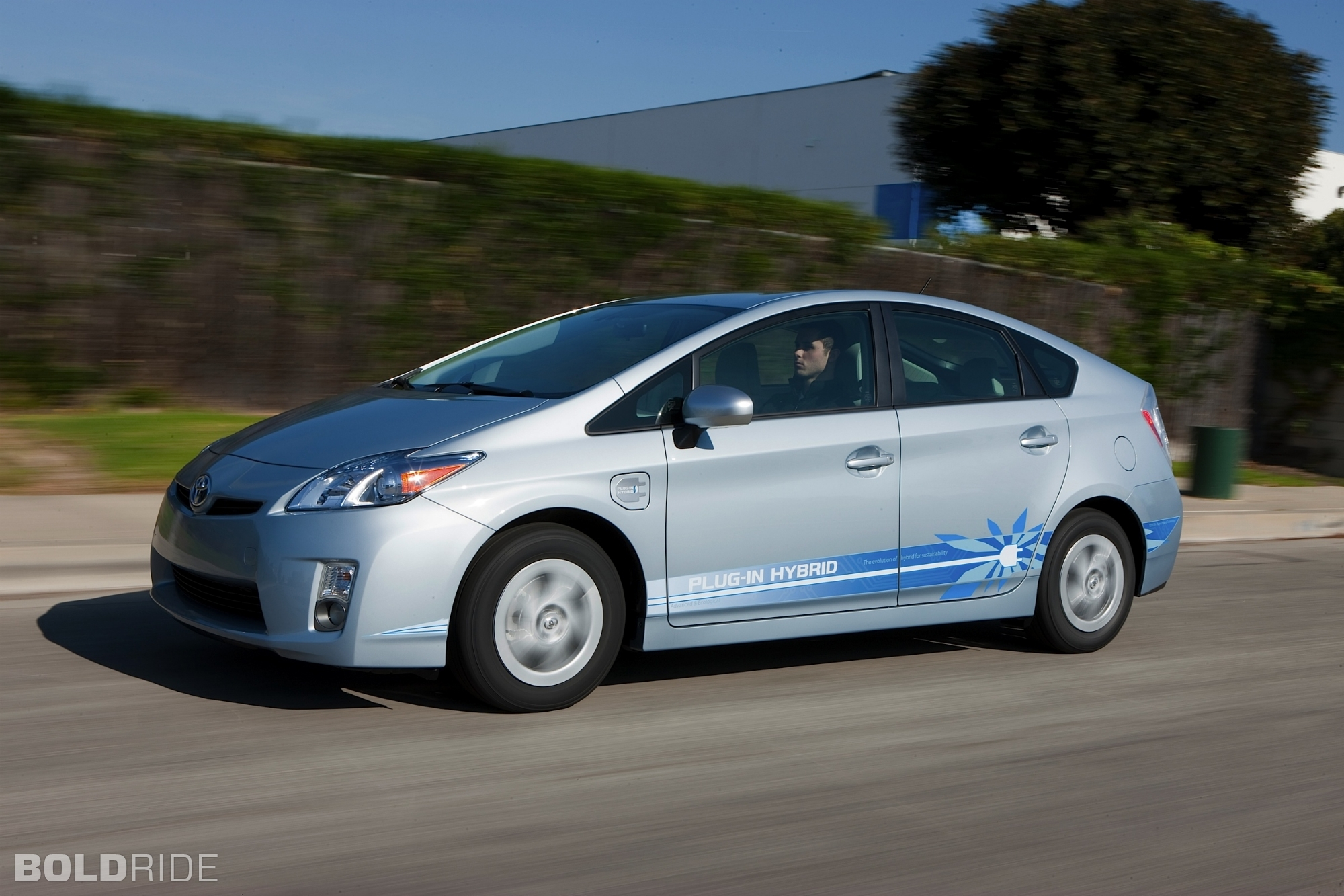 2019 Toyota Prius Plug in Hybrid Concept photo - 4