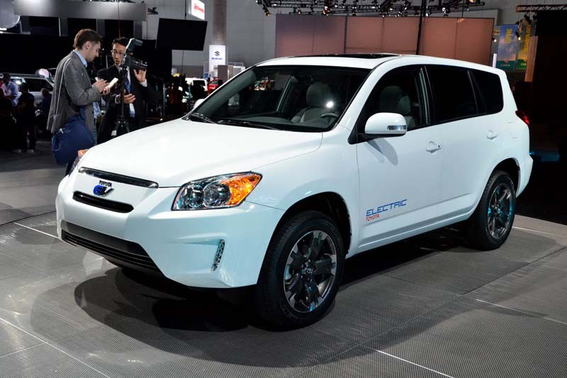 2019 Toyota RAV4 EV Concept photo - 4