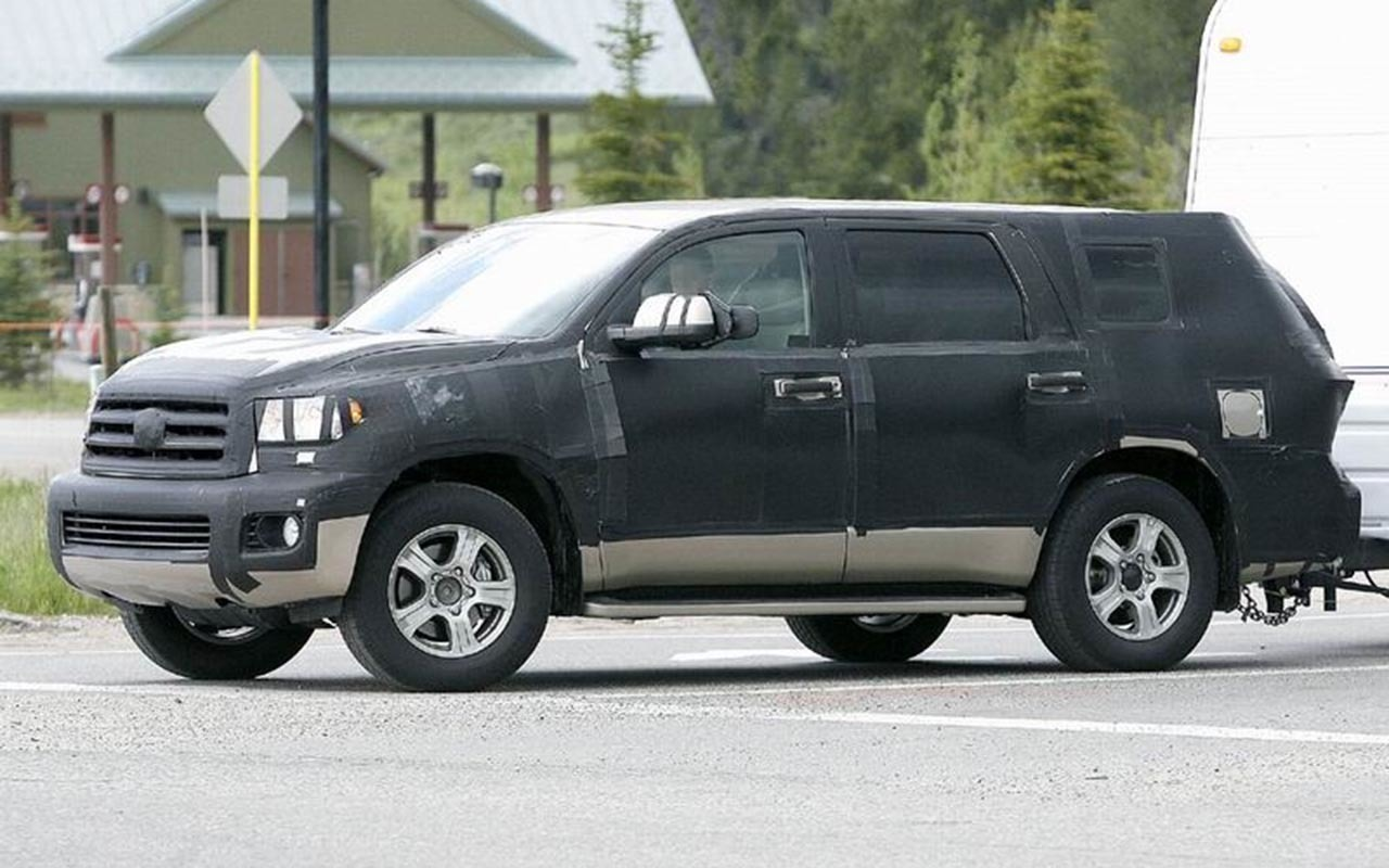 2019 Toyota Sequoia photo - 3