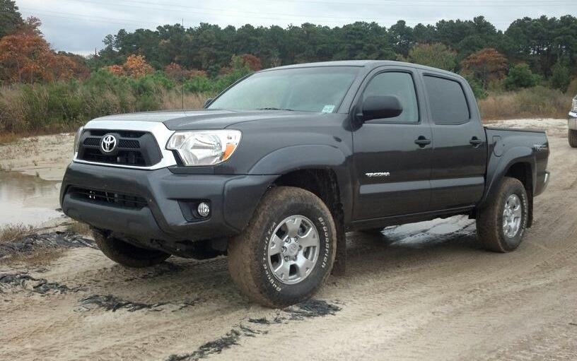 2019 Toyota Tacoma photo - 5