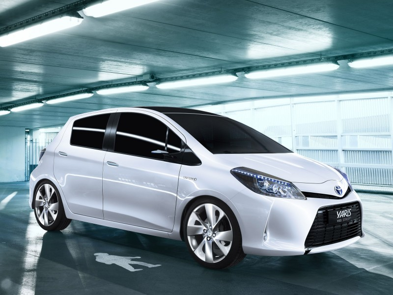 2019 Toyota Yaris HSD Concept photo - 1