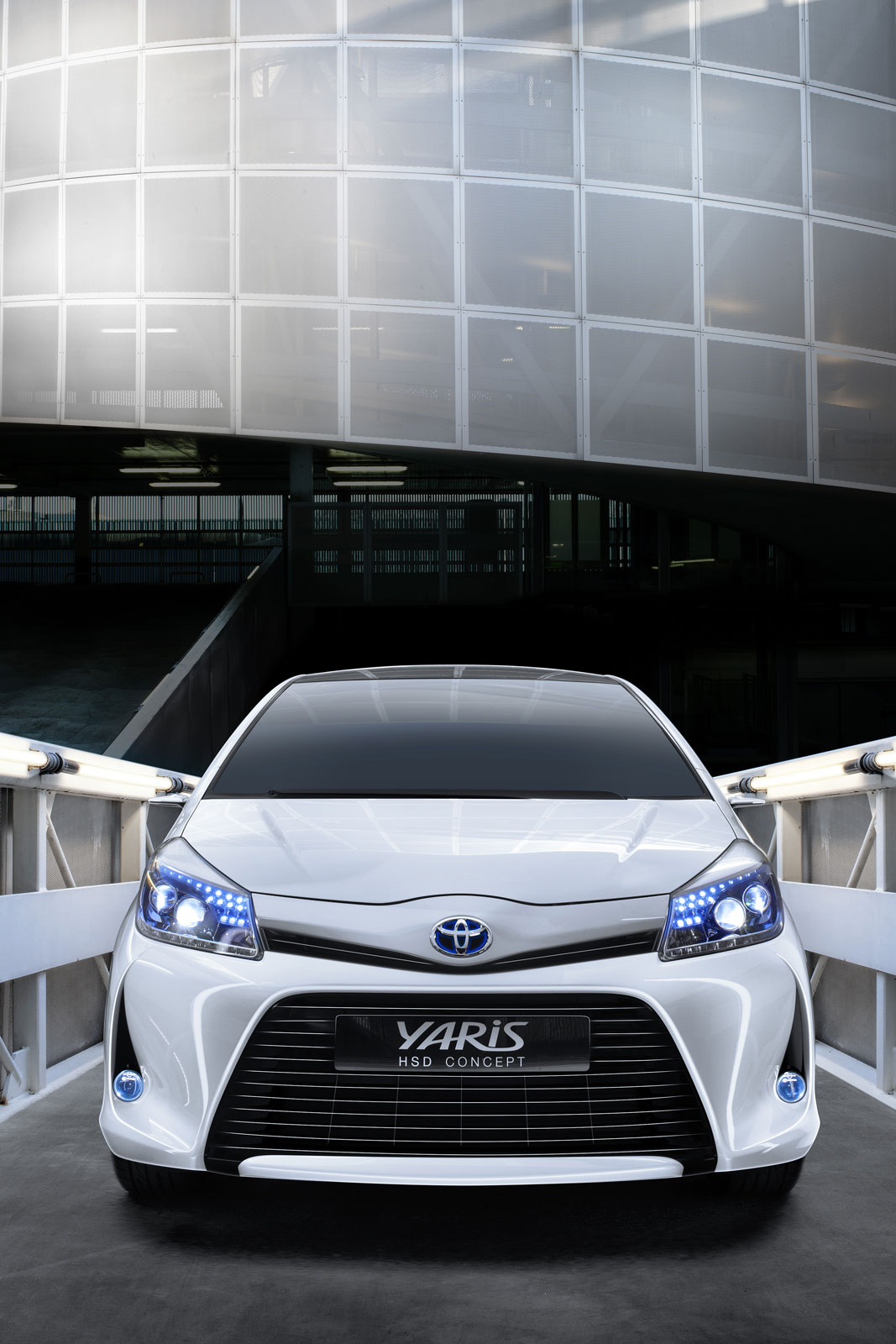 2019 Toyota Yaris HSD Concept photo - 3