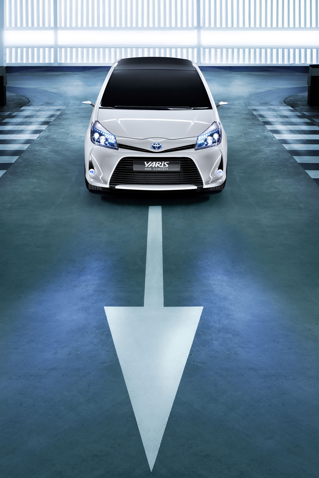 2019 Toyota Yaris HSD Concept photo - 4