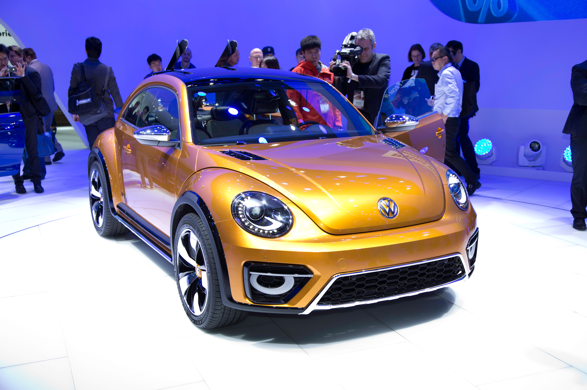 2019 Volkswagen Beetle Dune Concept photo - 4