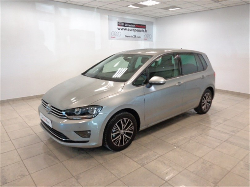 2019 Volkswagen Golf BlueMotion photo - 6