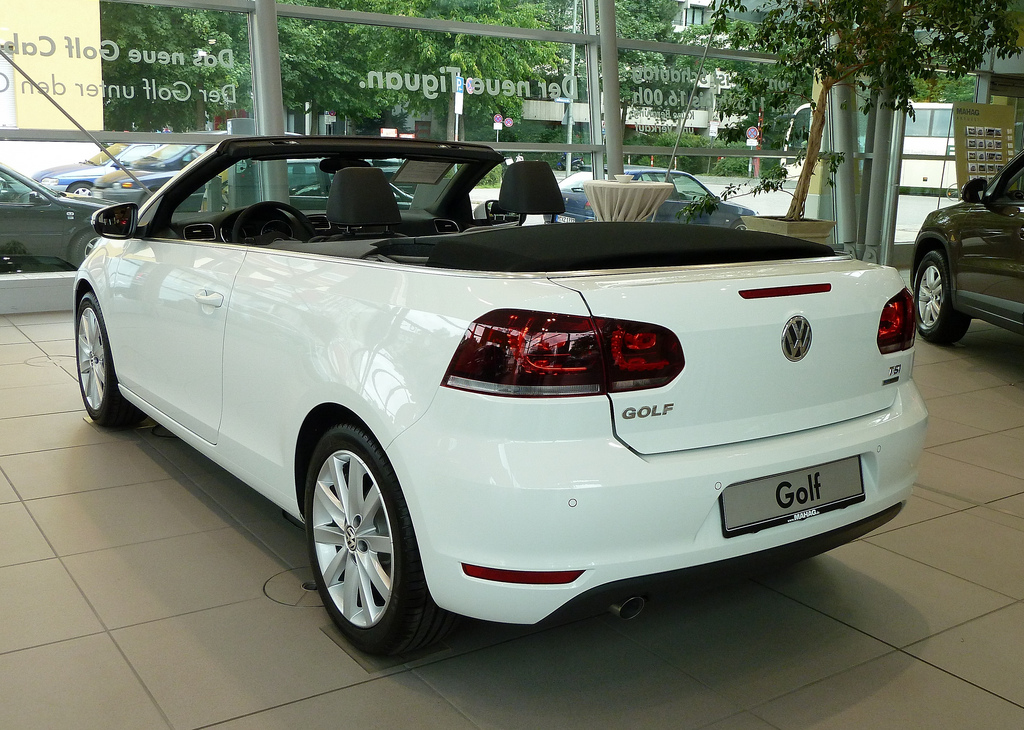 2019 Volkswagen Golf Cabriolet Last Edition photo - 4