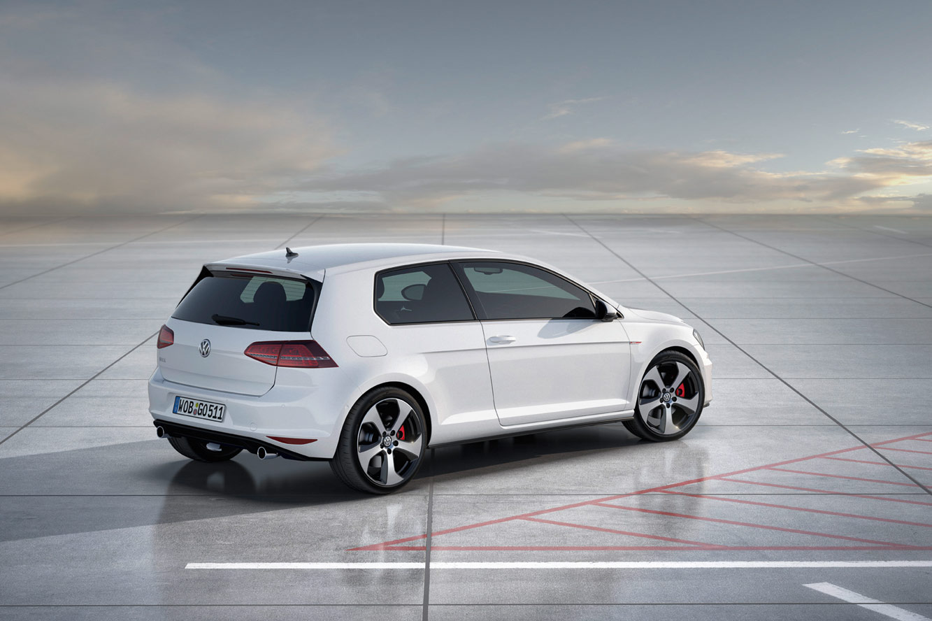 2019 Volkswagen Golf GTD photo - 1