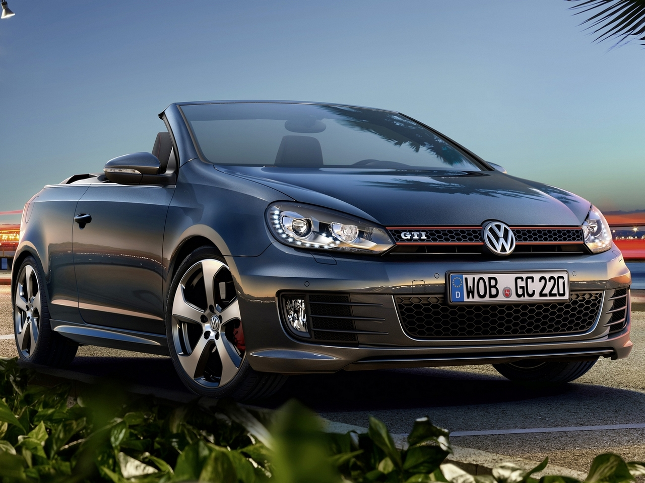 2019 Volkswagen Golf GTI Cabriolet photo - 4