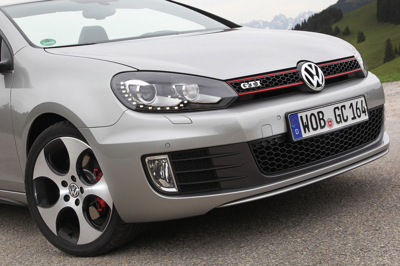 2019 Volkswagen Golf GTI Cabriolet photo - 5