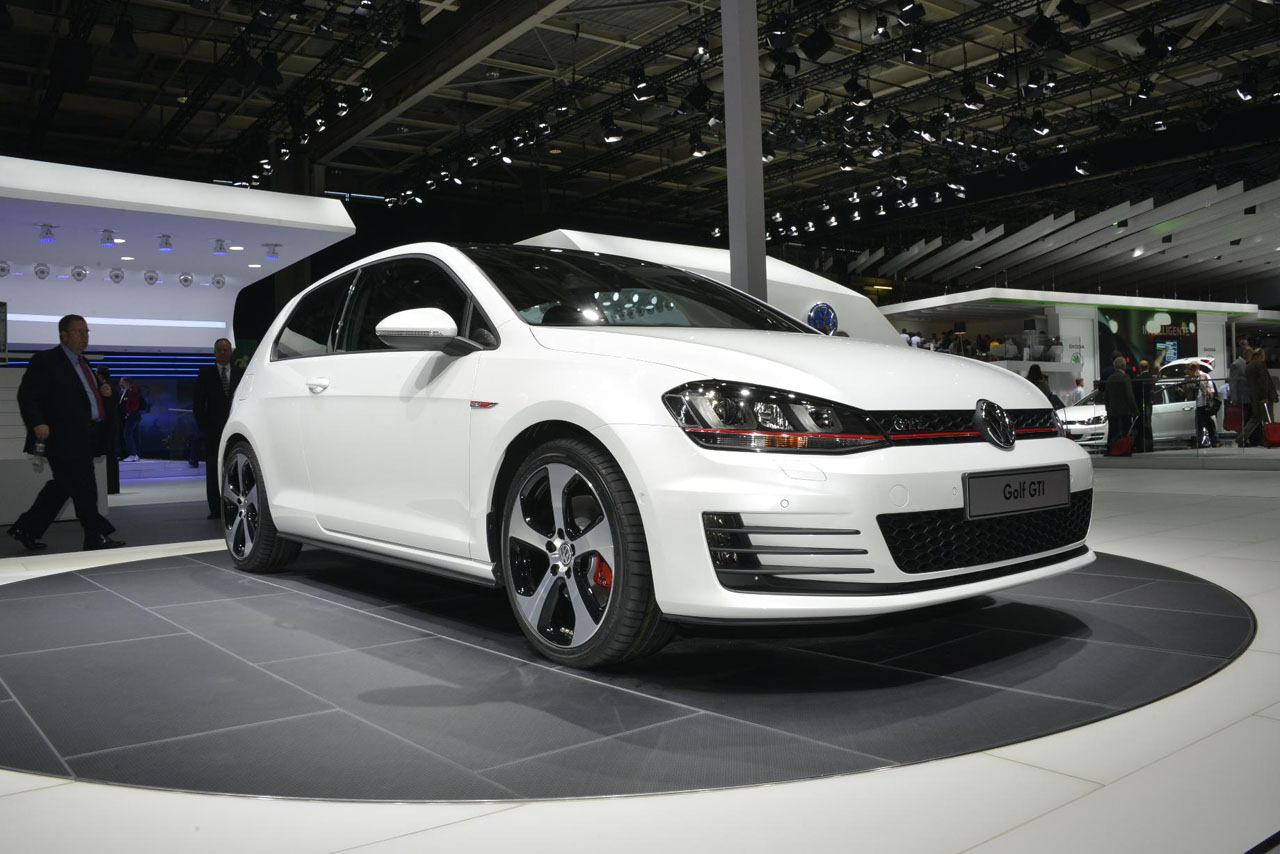 2019 Volkswagen Golf GTI Concept photo - 3
