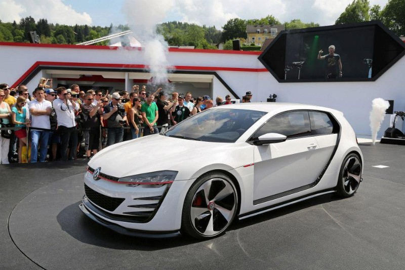 2019 Volkswagen Golf GTI Concept photo - 5