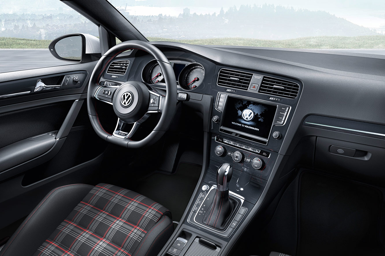 2019 Volkswagen Golf III photo - 3