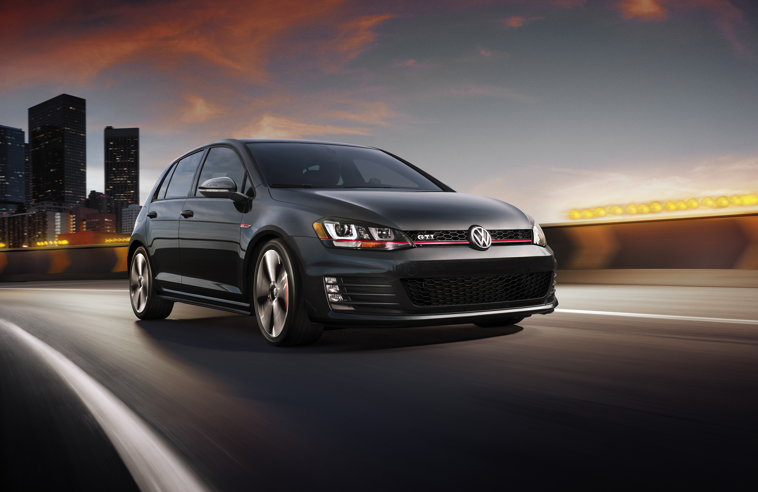 2019 Volkswagen Golf IV GTI photo - 3