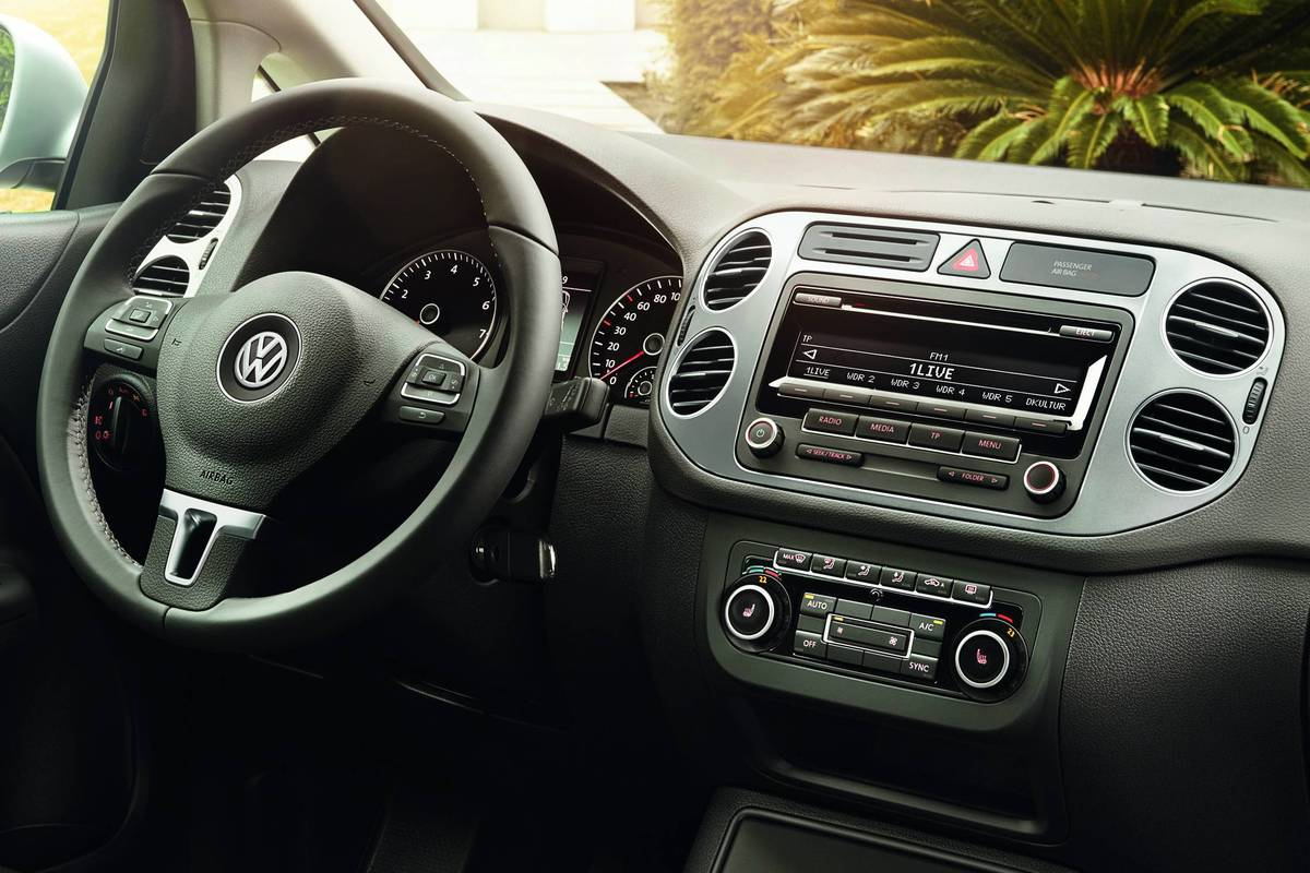 2019 Volkswagen Golf Plus Life photo - 2