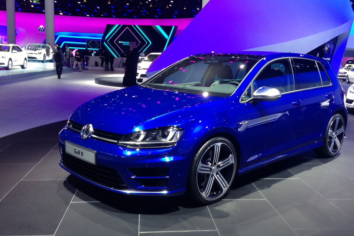 2019 Volkswagen Golf R photo - 2