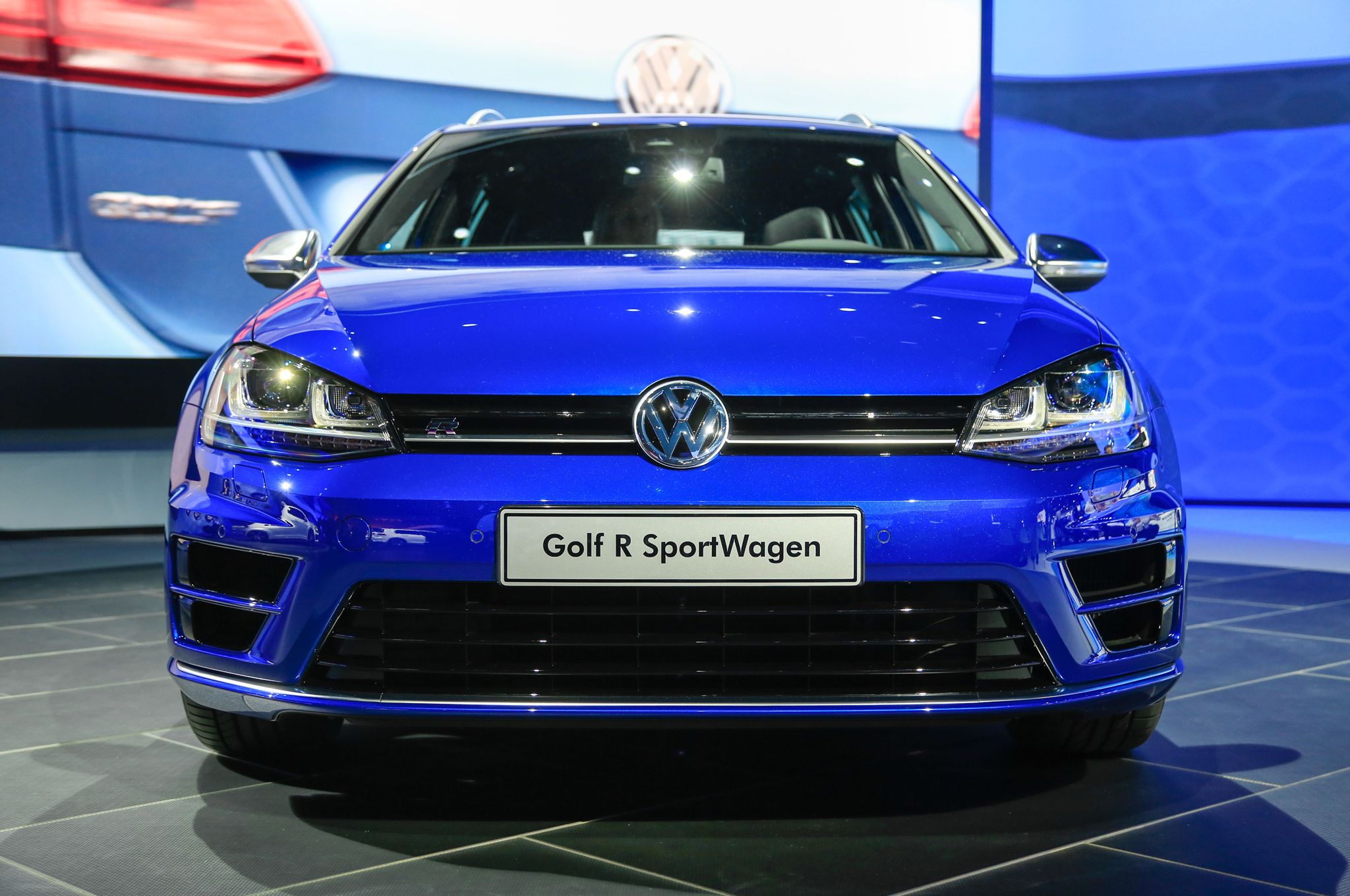 2019 Volkswagen Golf SportWagen photo - 1