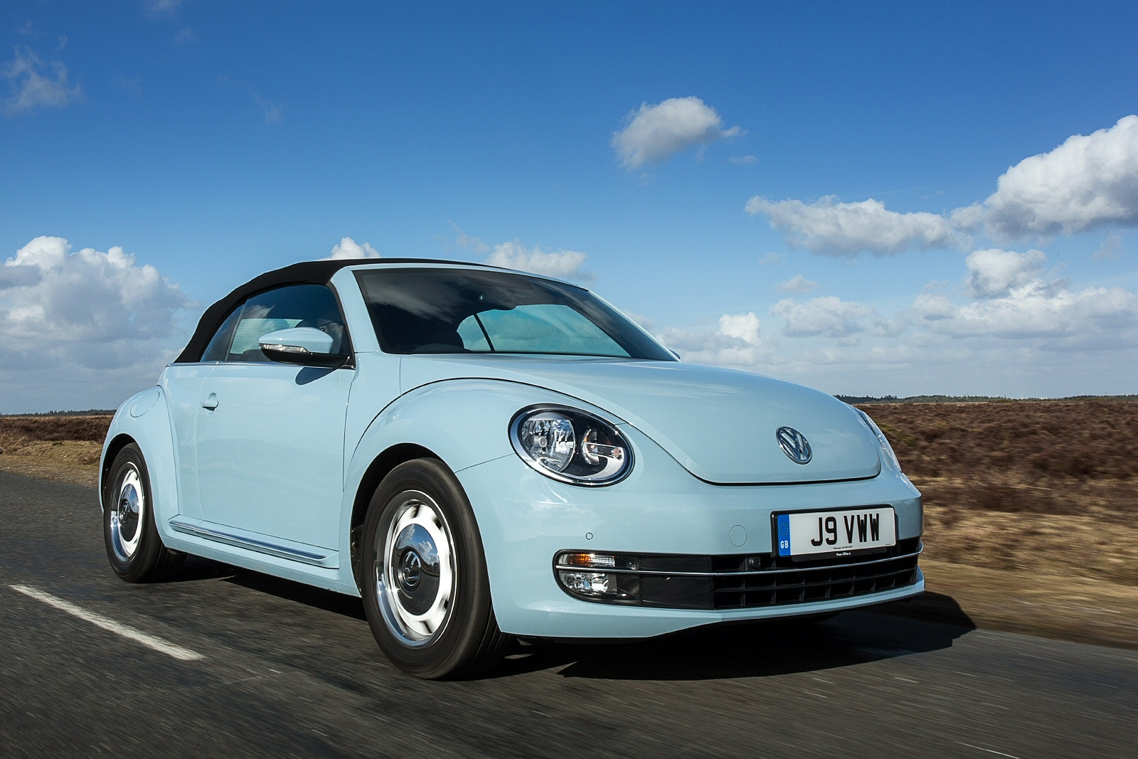 2019 Volkswagen New Beetle Cabriolet Car Photos Catalog 2019
