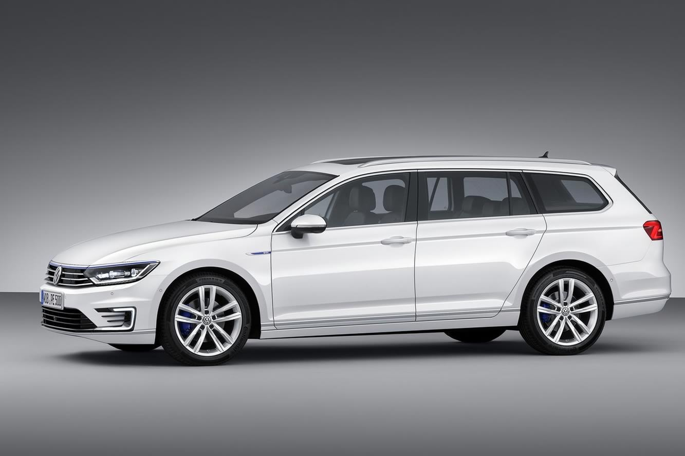 2019 Volkswagen Passat Estate photo - 2